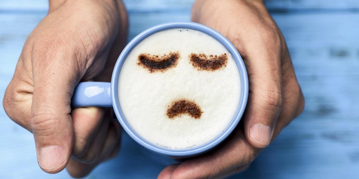 café avec smiley en mousse
